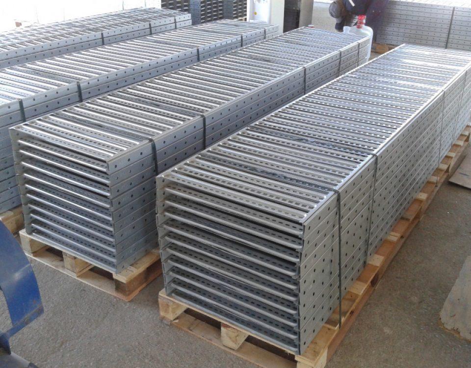 سوراخکاری سینی کابل با دستگاه CNC